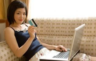 women shop online
