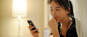 China Mobile Customers Making Fewer Phone Calls, Telecom Companies At Risk