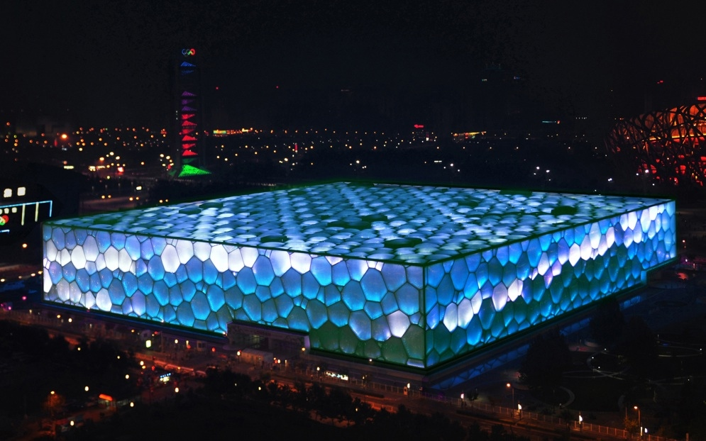Weibo Users Can Change the Color of Beijing's Olympic Pool, 02