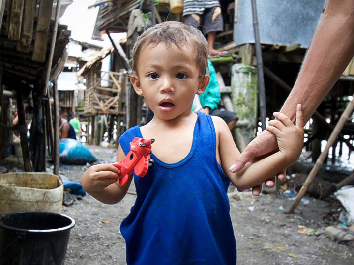 starving children philippines