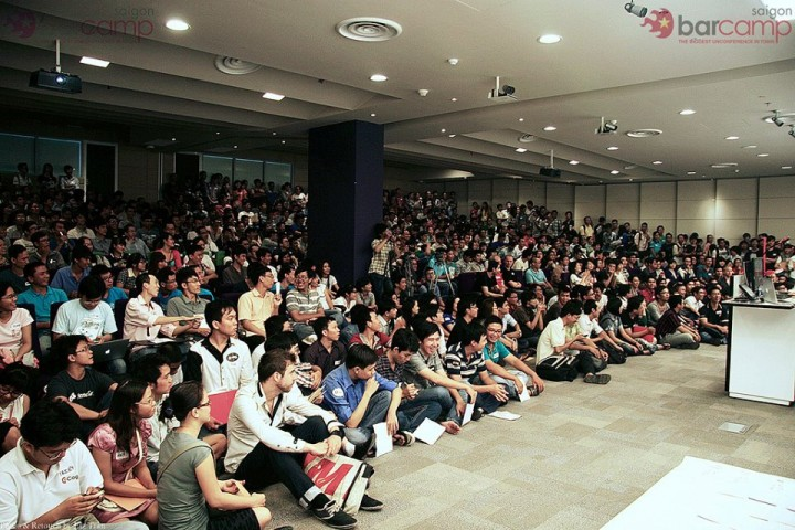 BarcampSaigon 2013, this tech-centered event pulled in over 1,700 participants.