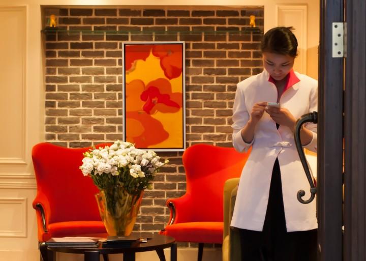china smartphone girl in door