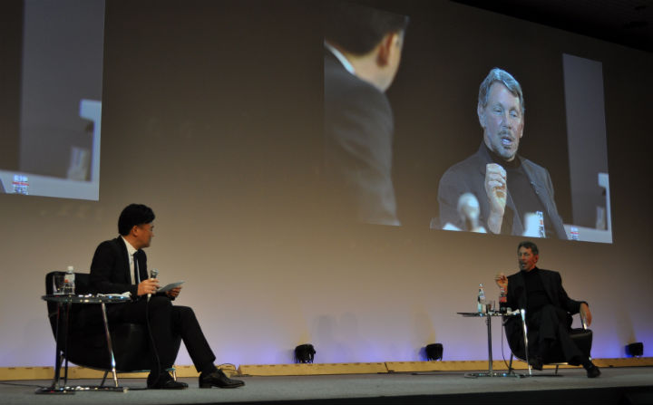 Mikitani talks with Ellison at NES 2014.