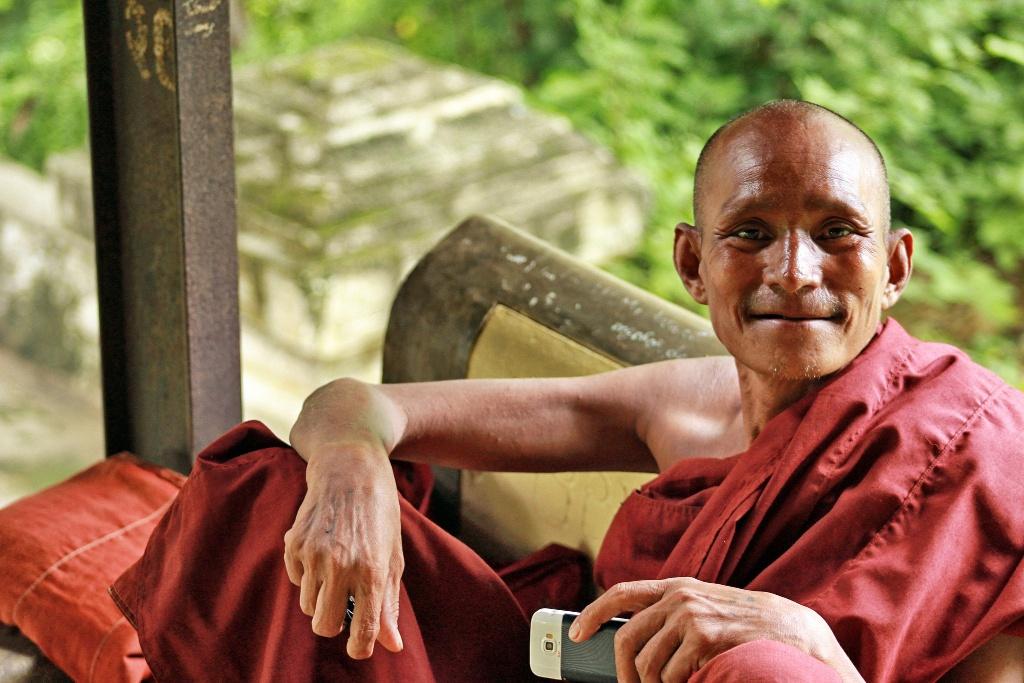 Myanmar Viber Facebook usage