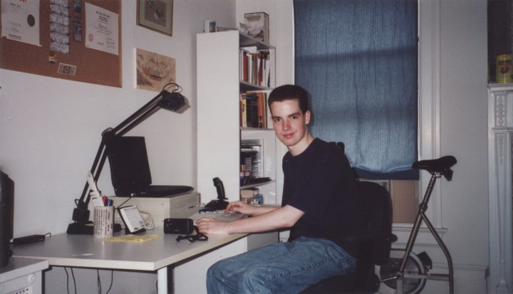 Love in 1999, developing the first version of Pleco for Palm.