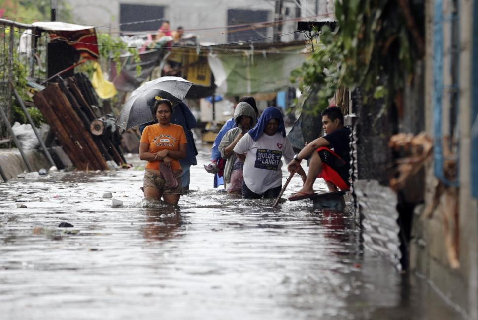 Hours after Typhoon Rammasun slams into Philippines, bitcoin fundraising campaign begins