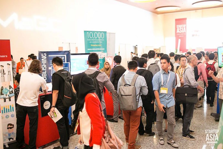 Want a free startup booth at Tech in Asia Singapore 2015?