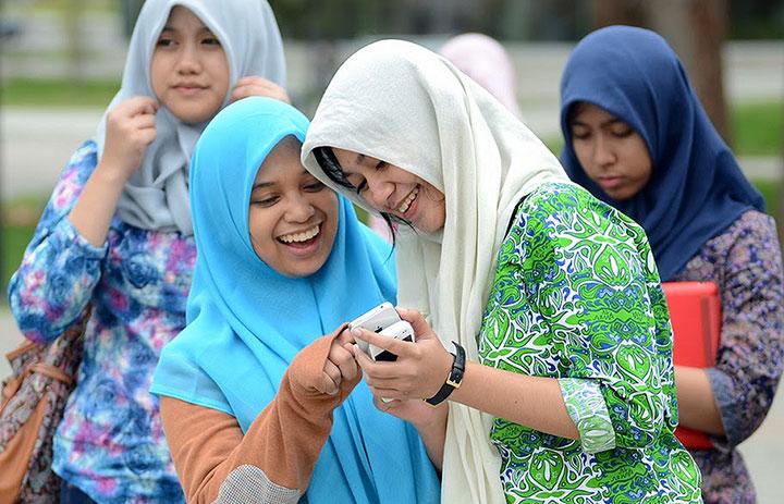 indonesia-phone-users