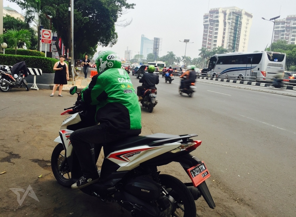 Uber Competitor Go-Jek Teams Up With Taxi Company