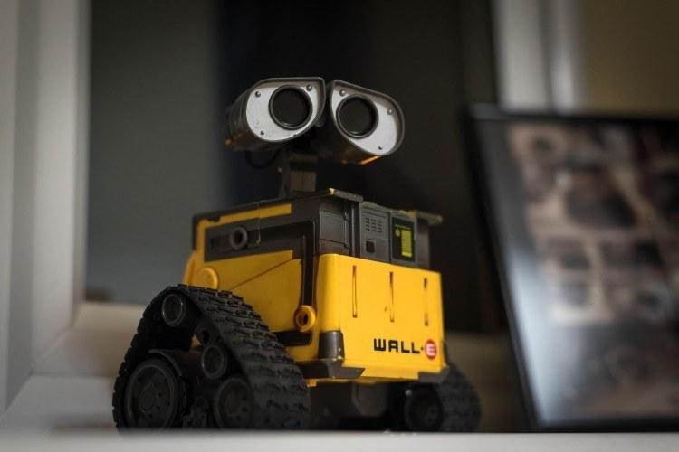 wall-e-pixar-robot-eyes