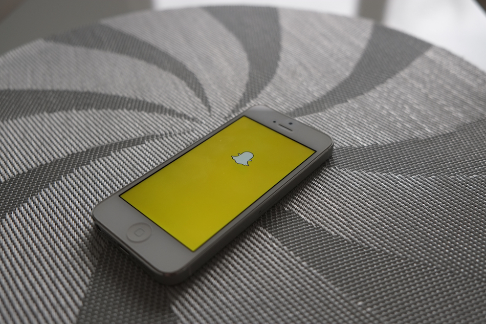 7 snapchat accounts entrepreneurs should follow