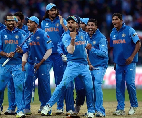 Celebrating with his teammates (in the middle): India's cricket vice captain Virat Kohli.