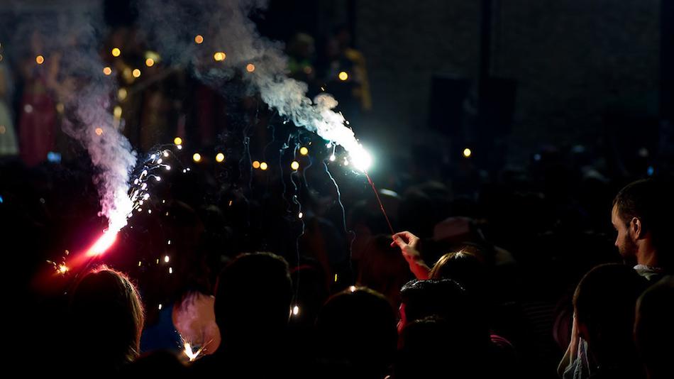 diwali-india-festival-people