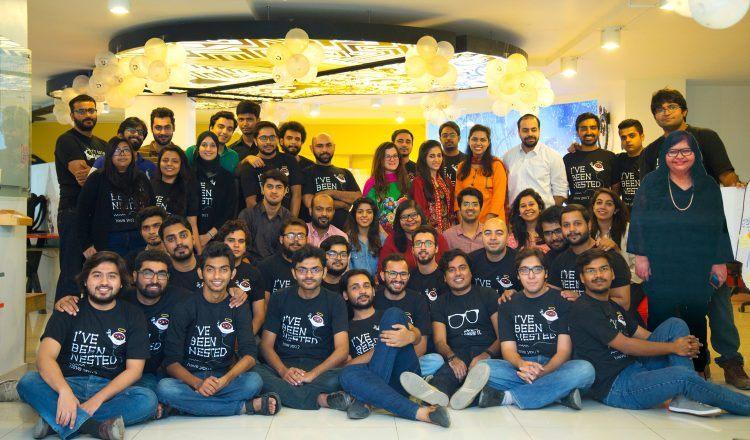 The graduating startups.