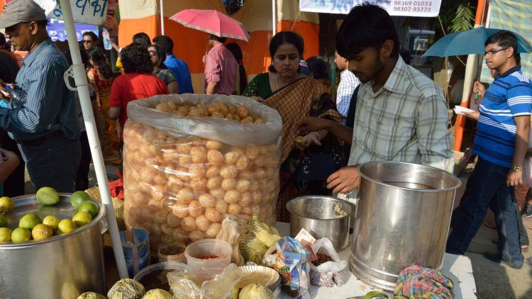 Even food stalls can go cashless. Photo credit: Wikimedia.