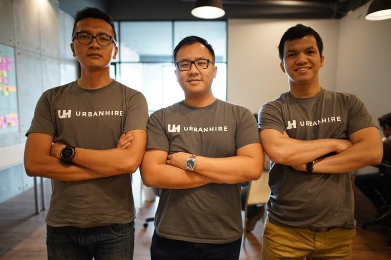 Urbanhire team, L to R: Jepri Sinaga, Benson Kawengian, and Hengki Sihombing. Photo credit: Tech in Asia Indonesia