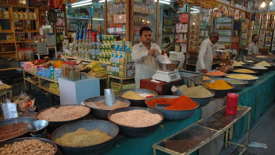 Spice_market-India-kirana-store