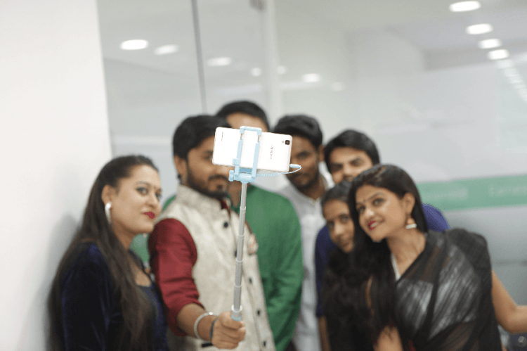 Oppo, selfie, India, phone