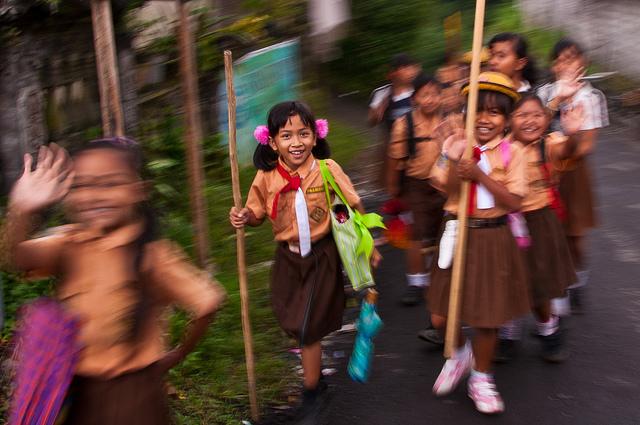 indonesia-schoolkids-excursion
