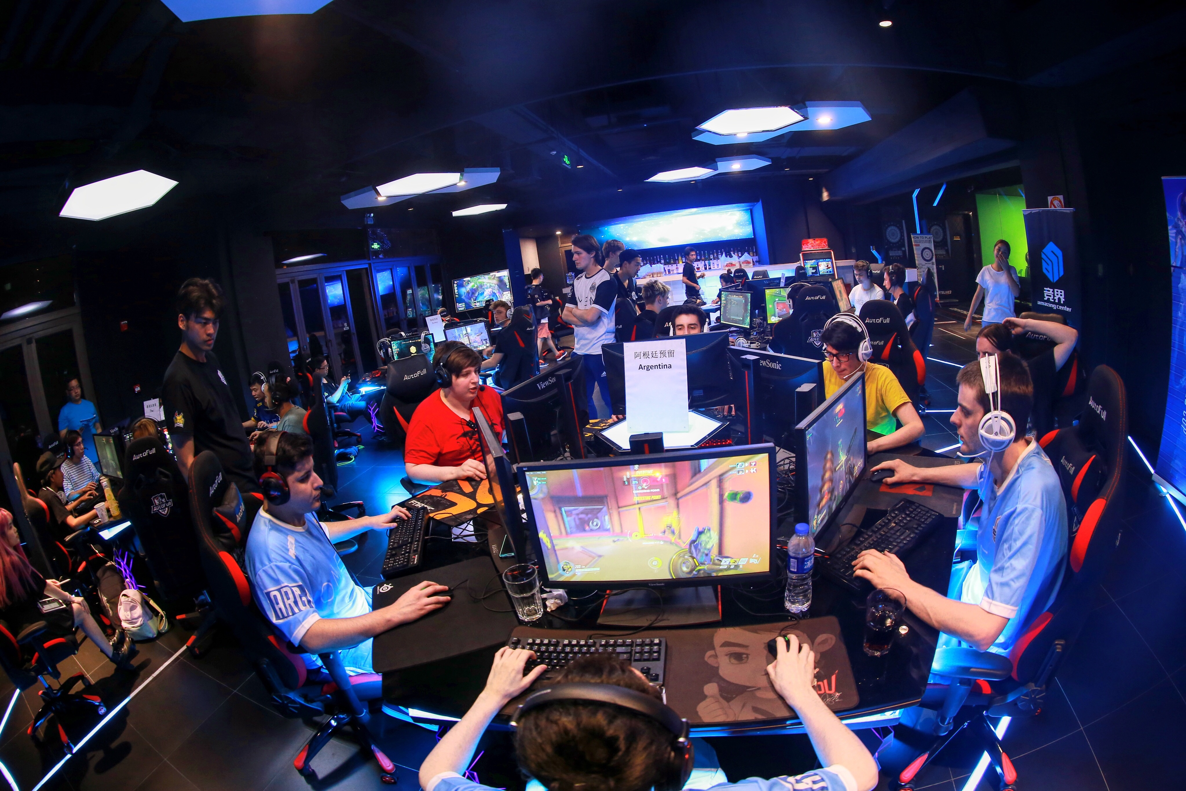 China's booming esports industry looks offline for growth
