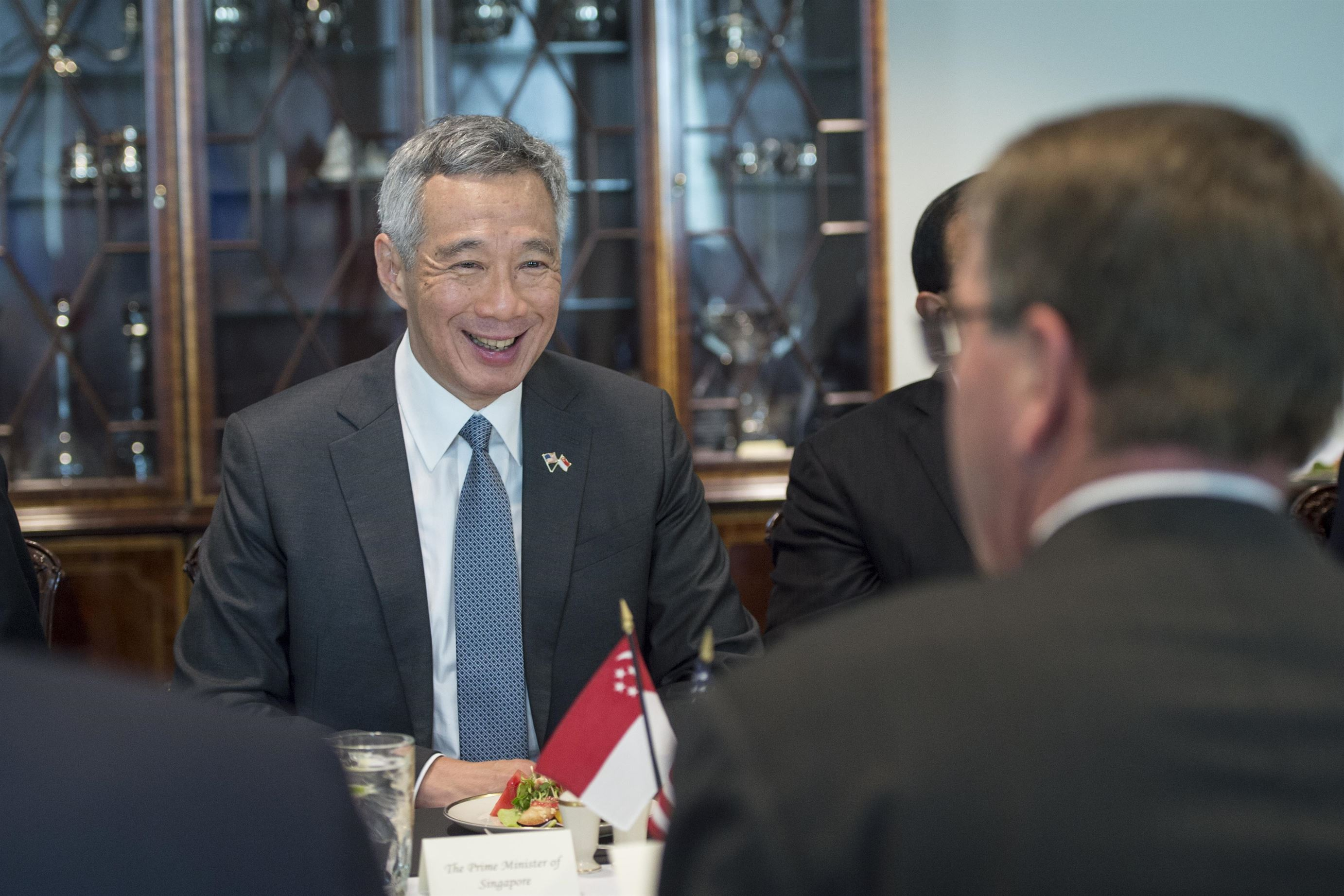 Singapore 'actively studying' virtual banking licenses