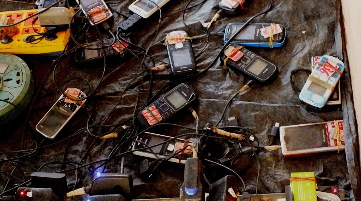 A 'ghost market' for gadgets hangs on in hi-tech Shenzhen