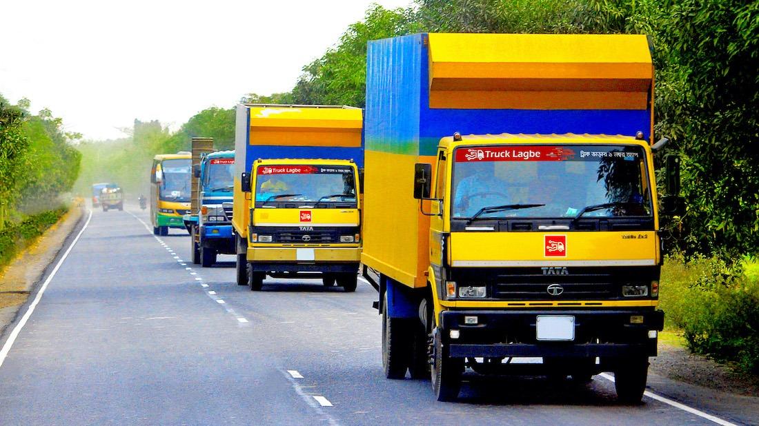 Large trucks en route